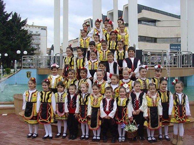 Детски танцов състав Орханийче