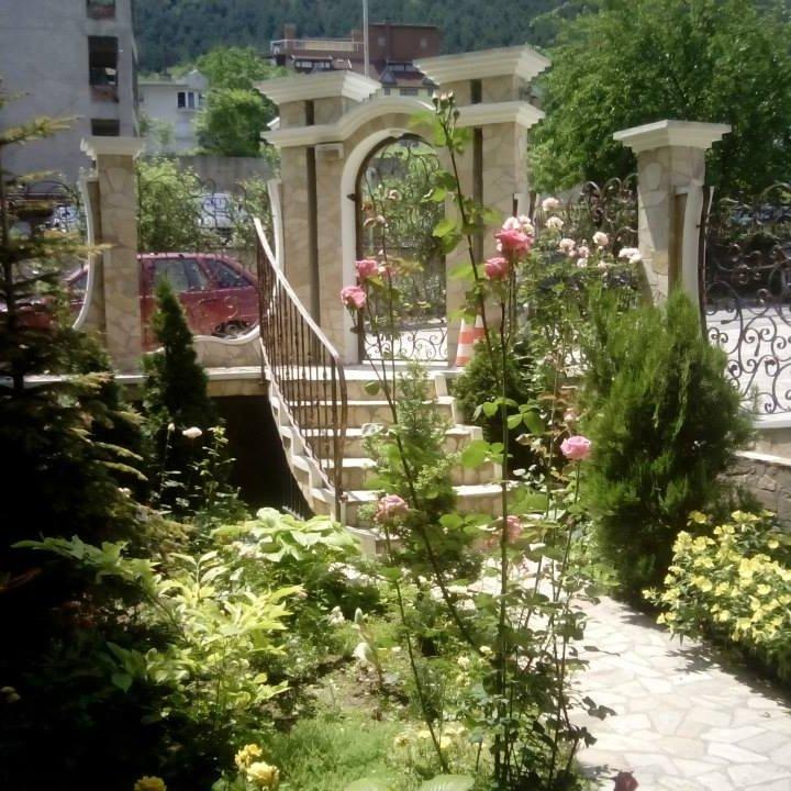 Семеен Хотел Рай  * * *     -     Райското кътче на Шумен